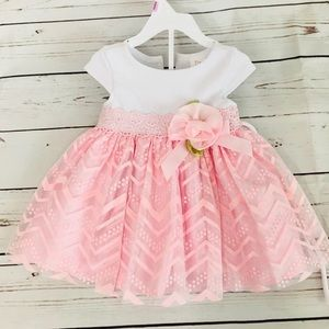 Other - 💕 Beautiful BABY GIRL DRESS pink and white 👶🏻🤗